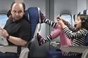 صور: 9 تصرفات تتسبب في طردك من الطائرة.. انتبه لرائحتك الكريهة