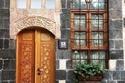 روعة منزل نزار قباني في دمشق: رحلة إلى قارورة العطر التي لا تنتهي