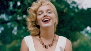 صور نادرة للفاتنة مارلين مونرو تخطف القلب بجمالها الجريء