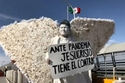جماعة تابعة للكنيسة الإنجيلية في المكسيك ترتدي زي الملائكة