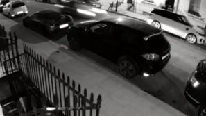 فيديو وصور: حطم صف سيارات فخمة تتخطى قيمتها نصف مليون إسترليني 😱