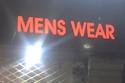 بالطبع كلمة men هي جمع man وليست بحاجة لـ s الجمع