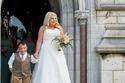 صور لمظاهر حفل زفاف شاب على عروس ضعف طوله