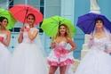 30 فتاة بفستان الزفاف