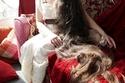 الشعر الطويل الجميل فرصة للهروب إلى العالم الخيالي