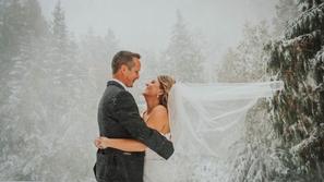 صور: سحر الطبيعة يفاجئ عروسان يوم زفافهما بما لم يكن في الحسبان