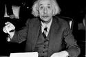 ألبرت أينشتاين كان يعاني من عسر القراءة
