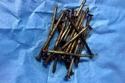 استخراج مئات المسامير من معدة مريض في السعودية