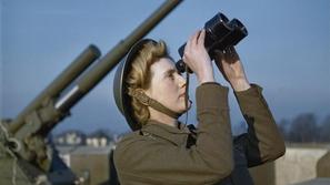 لقطات مؤثرة من الحرب العالمية الثانية تعود إلى الحياة بتقنية حديثة