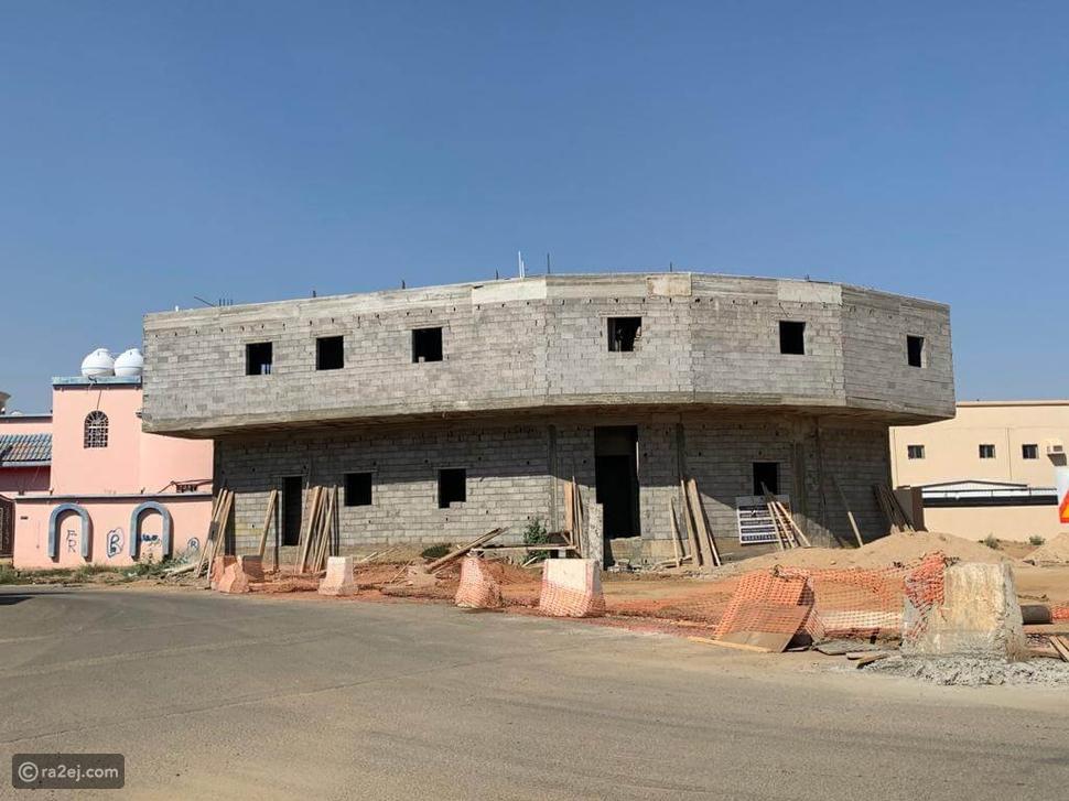 صورة مبنى غريب في السعودية تثير الجدل: ما قصته؟