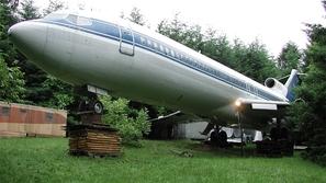 هذا المهندس حول الطائرة بوينغ 727 الى بيت استثنائي
