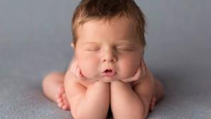 أروع الصور البريئة لأطفال حديثي الولادة وهم نيام