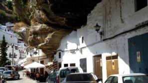 اجمل الصور لمدينة داخل الصخور!