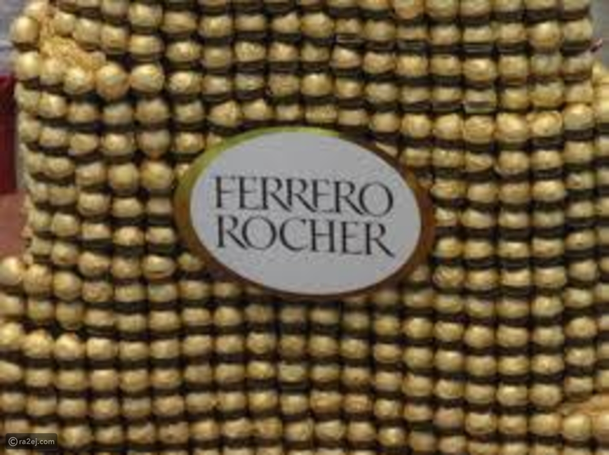بالصور والفيديو برج خليفة من شوكولاتة Ferrero Rocher في دبي مول