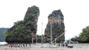 بالصور : سينما في وسط بحر في تايلند