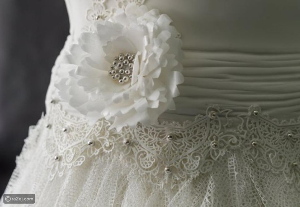 3 سيدات يصممن فستان زفاف لن يرتديه أحد لمدة 300 ساعة.. والسبب!!