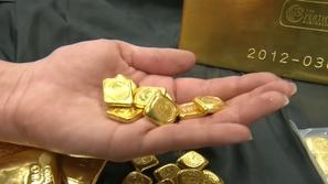حقيبة بها 3 كيلوغرام من الذهب الخالص لكن ليس لها صاحب: فما قصتها؟