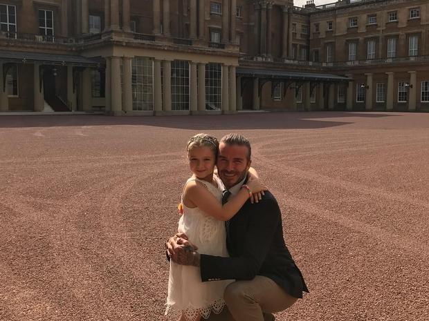 ديفيد بيكهام برفقه ابنته