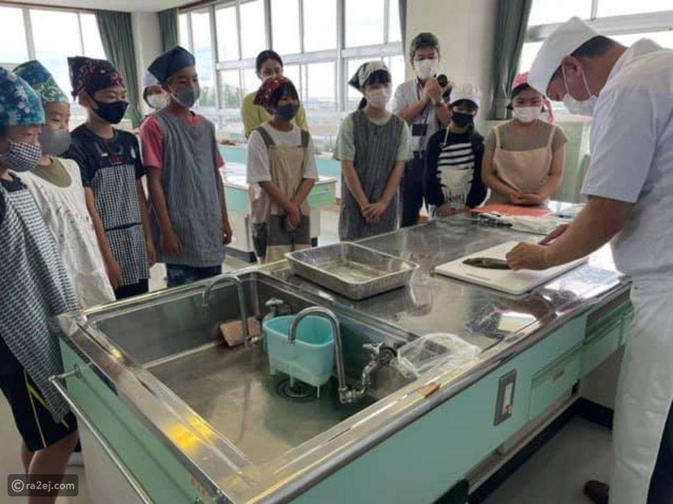 برنامج دراسي يطلب من التلاميذ تربية الأسماك لشهور ثم اتخاذ قرار غريب!