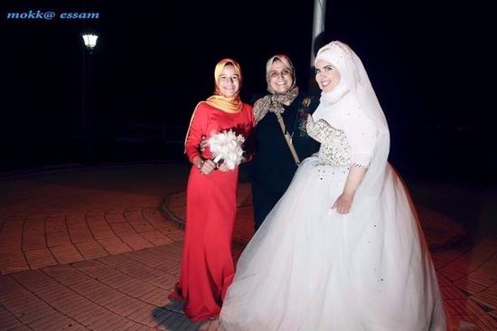 """إسراء الهجان كأول عروس """"سنجل"""" في مصر"""