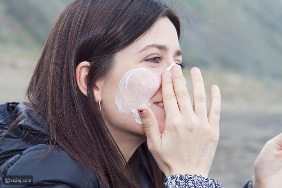كريم واقي الشمس: هل يسبب السرطان ويمنع الوضوء؟