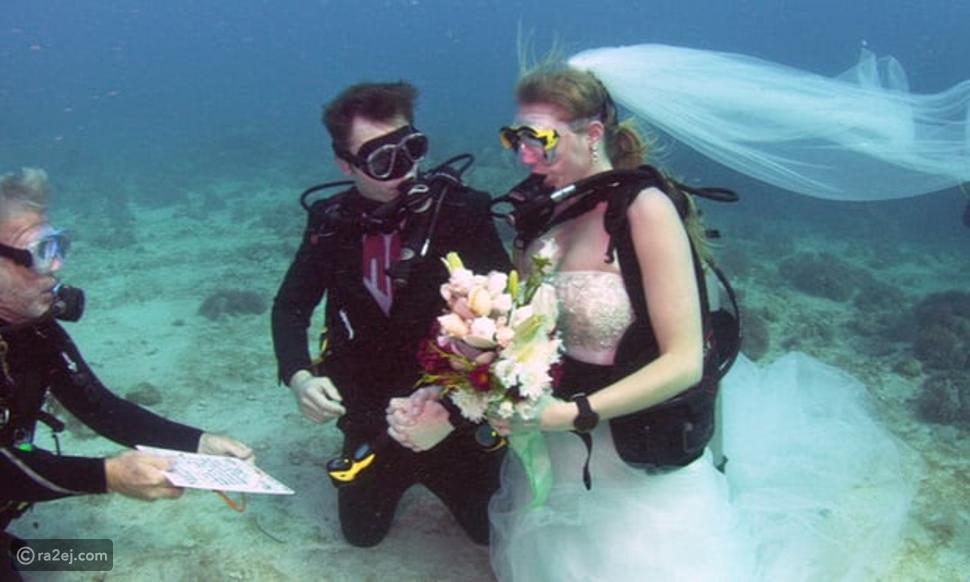 لقطات رائعة.. عروسان قررا إقامة حفل الزفاف تحت الماء