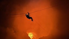 صور: مغامر سعودي يتسلق قمة بركان نشط في نيكاراجوا