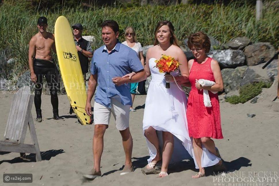 صور رئيس وزراء كندا جاستن ترودو بملابس البحر يقتحم بعفوية جلسة تصوير لعروسين!