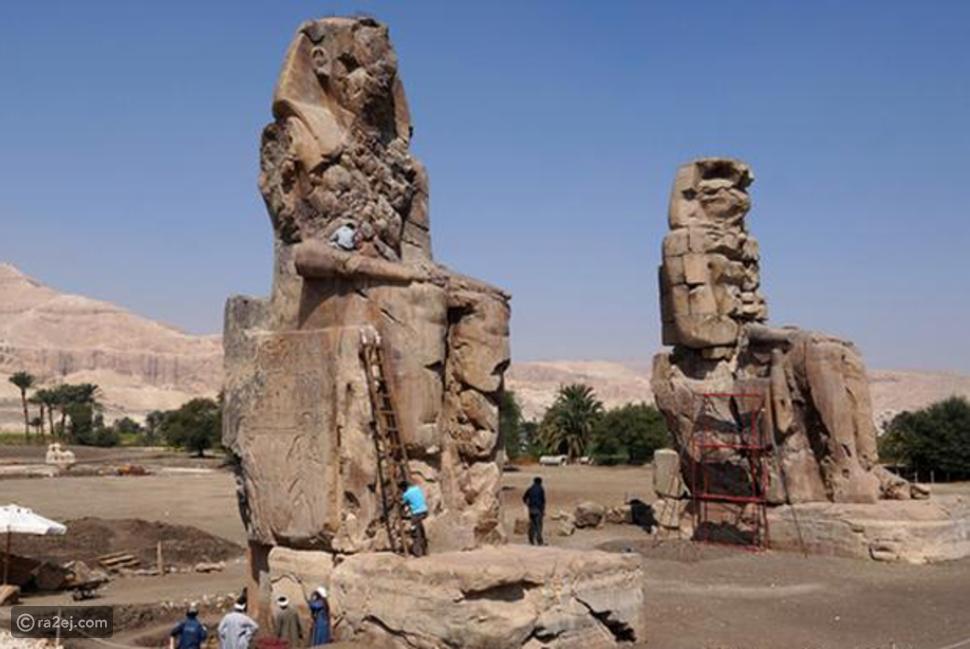 تمثالا منمون بالأقصر