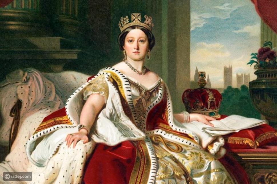 السراويل الداخلية للملكة فيكتوريا معروض للبيع في مزاد علني