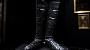 دار مزاد يعرض حذاء نابيلون بونابرت بسعر خيالي
