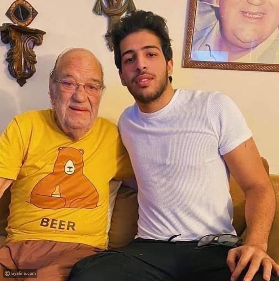 مزاح وخفة دم حسن حسني في آخر ظهور له وعلامات المرض تظهر عليه بوضوح