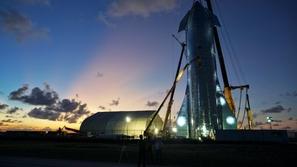سبيس إكس تخطط لصنع أقوى صاروخ في تاريخ السفر لنقل البشر إلى المريخ