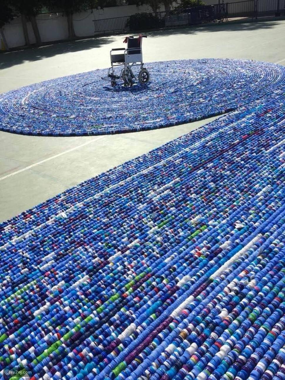 صور: مدرسة سعودية تدخل غينيس للأرقام القياسية بـ323 ألف غطاء بلاستيكي