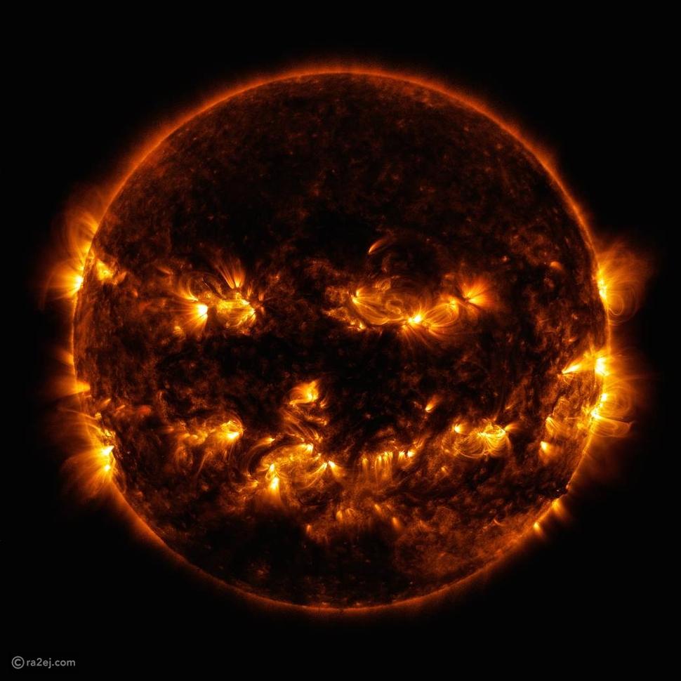 """تزامنًا مع الهالووين """"ناسا"""" تنشر صورة للشمس وتقول: حتى شمسنا تحتفل"""