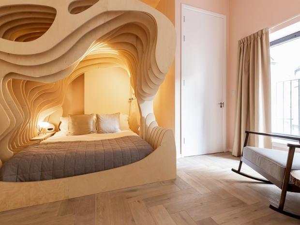 غرفة فندقية تشبه رحم الأم