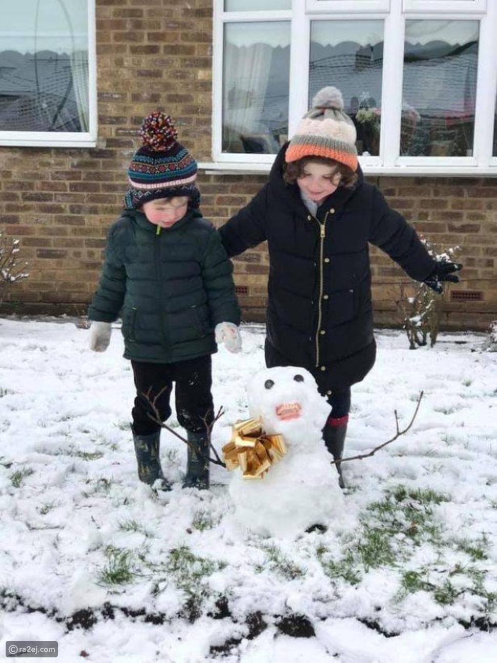رجل الثلج يظهر بطقم الأسنان: حيلة طريفة نفذها الأطفال