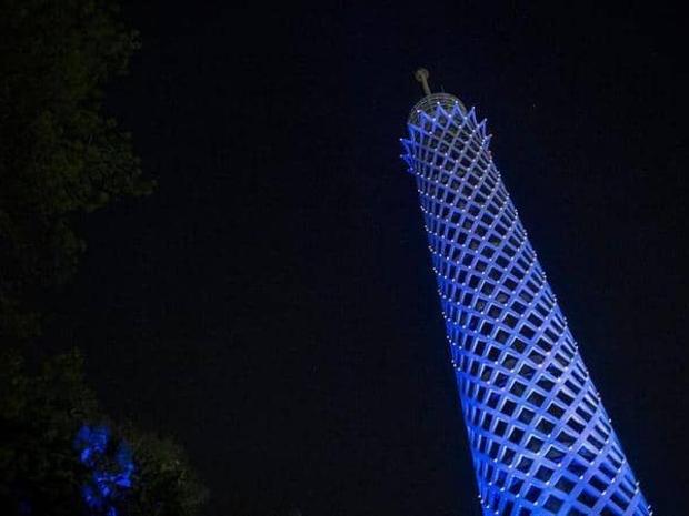 تفاصيل مؤلمة عن انتحار شاب مصري بعد أن قفز من أعلى برج القاهرة