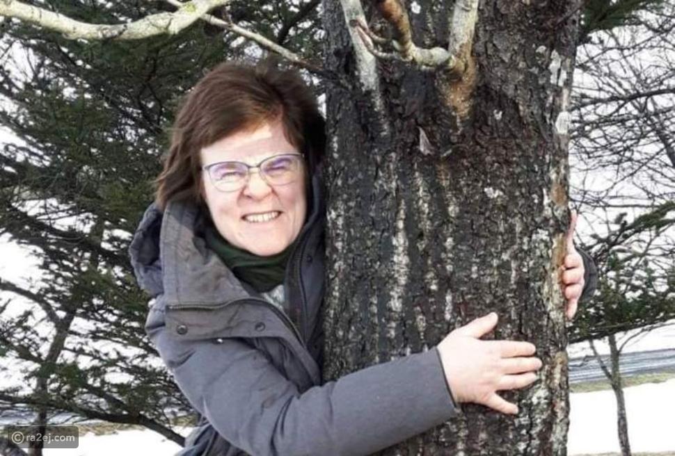 احضن شجرة ولا تحضن إمرأة: اكتشف التفاصيل