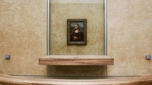 لوحة الموناليزا تعود إلى مكانها بمتحف اللوفر بعد أعمال التجديد