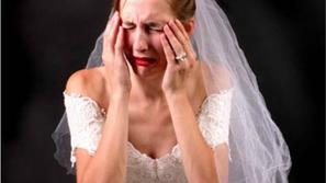 شاهد.. رد فعل غير متوقع لامرأة اكتشفت خيانة خطيبها