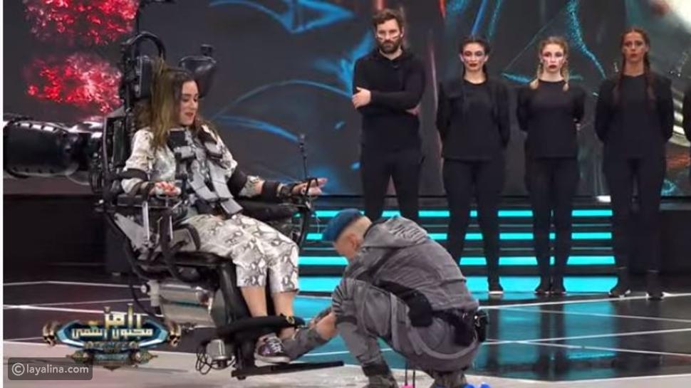 رامز جلال يخلع لأمينة خليل حذائها وتعليق مُفاجيء على فستان رانيا يوسف