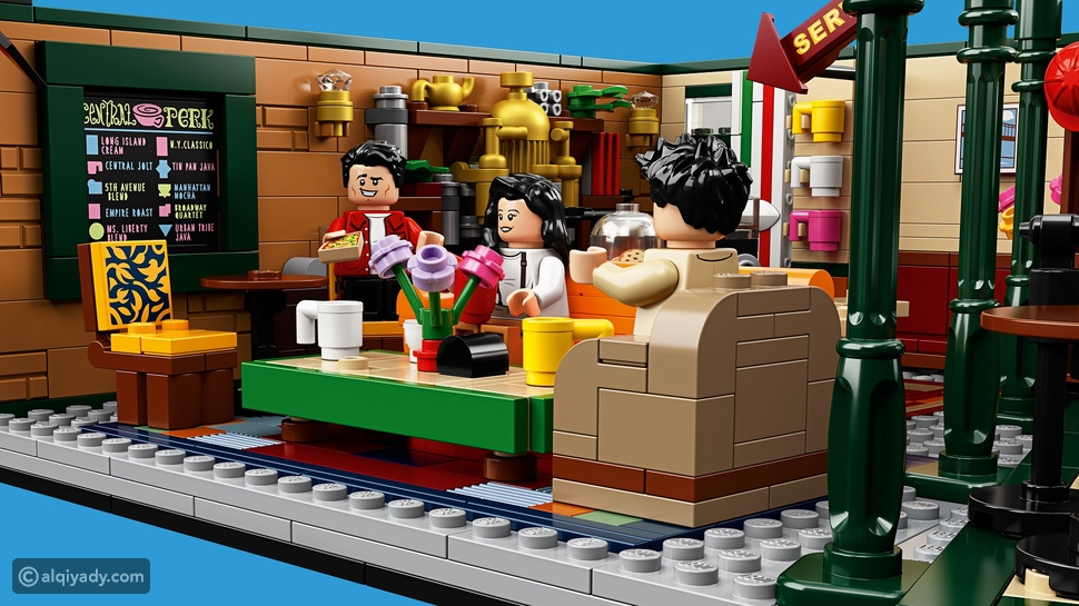 """الحماس يزيد مع طرح LEGO مجموعة """"سنترال بيرك"""" من المسلسل الشهير """"فرندز"""