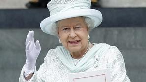 ما هي الوظيفة المغرية مع ملكة بريطانيا مقابل 60 ألف دولار ووجبة غذاء؟