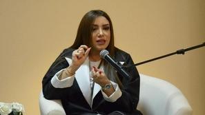 بسبب كورونا: مذيعة سعوية تتذمر من تجمعات صديقاتها فتُبلّغ الشرطة