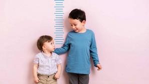 طفلك قصير: إليك 10 أطعمة تُزيد من طول قامته
