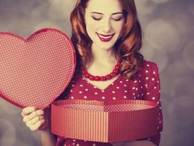 2- تقوم النساء بشراء معظم هدايا عيد الحب…حتى لأنفسهن!