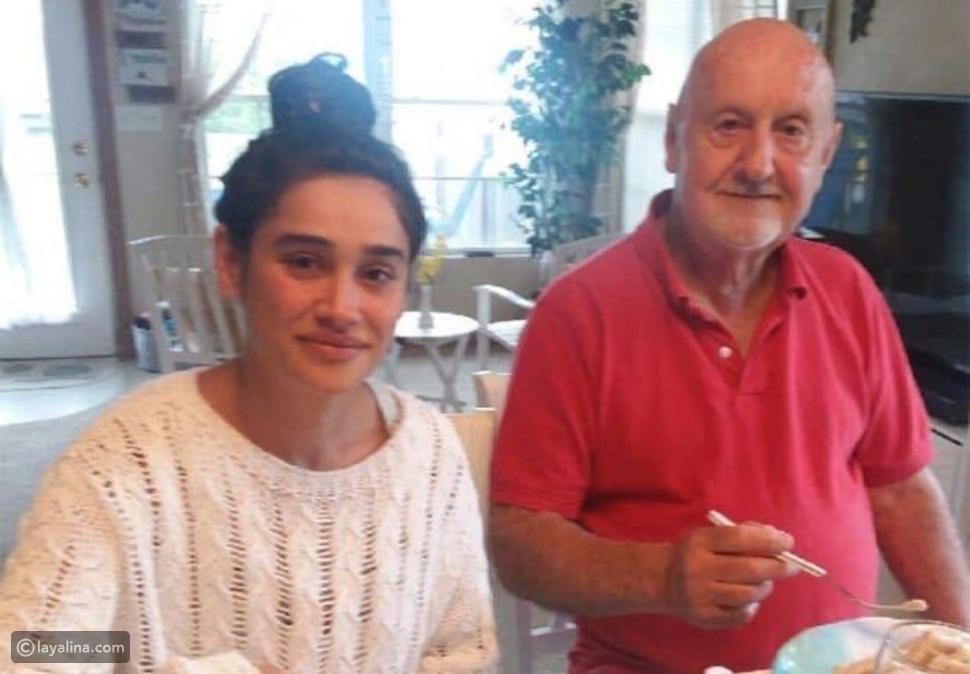 صور: أكبر منها بـ48 عامًا.. ممثلة تركية جميلة ترد على من ينتقد زواجها