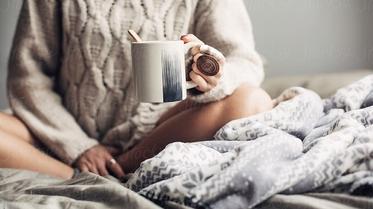 ما هو أول شيء تفعله فور الاستيقاظ من النوم؟