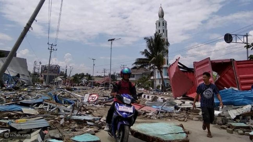 فيديو: عقب زلزال مدمر.. تسونامي جديد مرعب يجتاح إندونيسيا